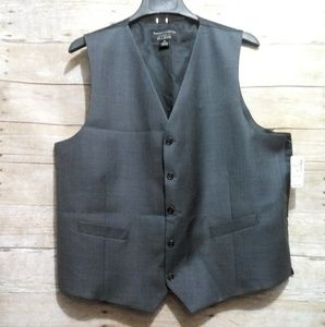Jos.A.Banks travelers collection tailored fit vest